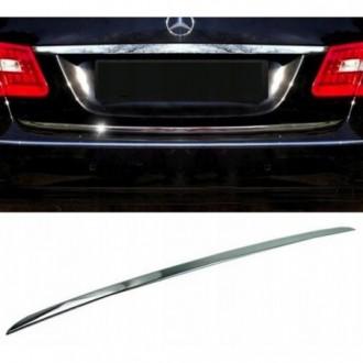 Mercedes E klasa W212 09 - CHROME Rear Strip Trunk Tuning...