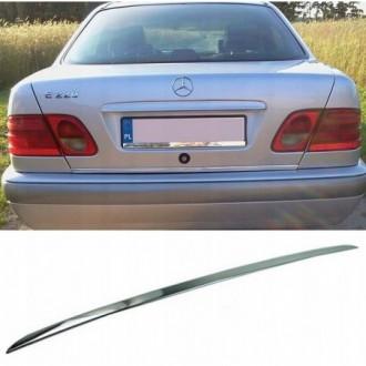 Mercedes E Klasa W210 Sedan - CHROME Rear Strip Trunk...