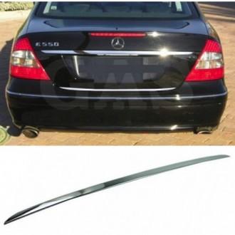 Mercedes E Klasa W211 Sedan - CHROME Rear Strip Trunk...